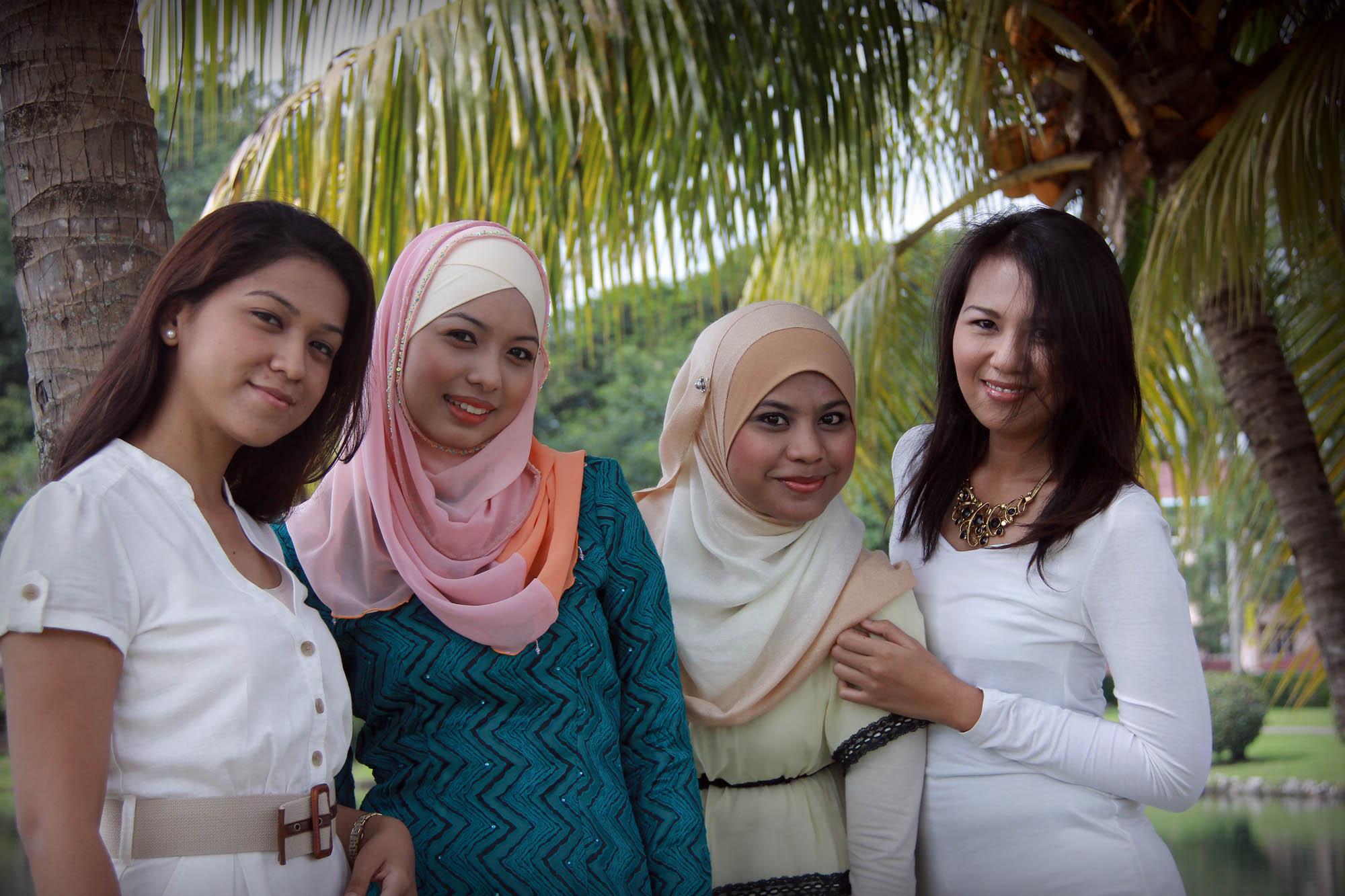 Nadia & Friends