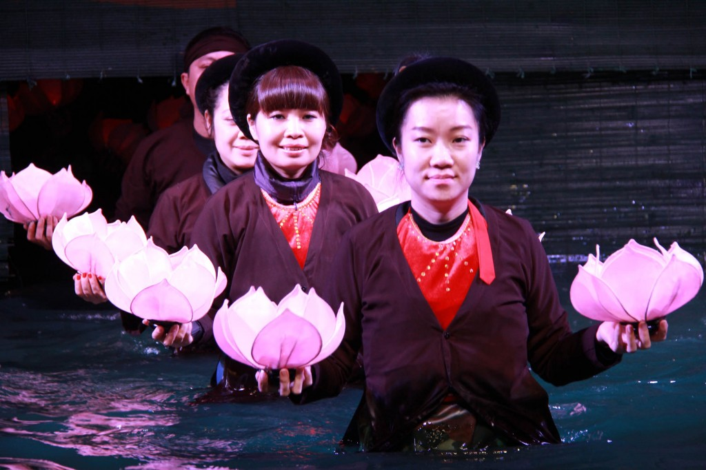 water-puppet-19