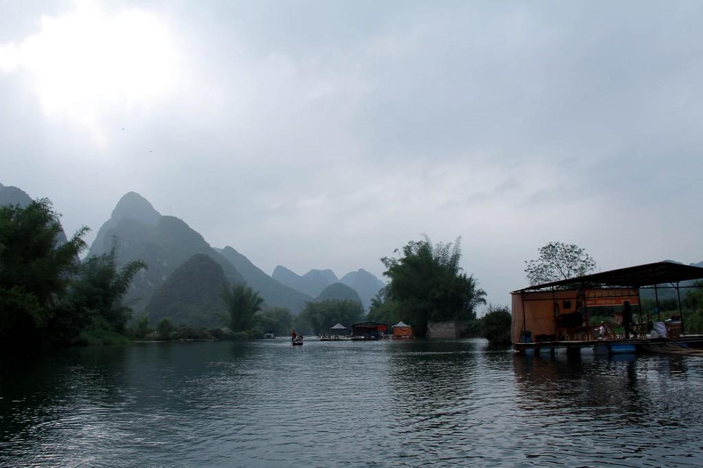 bamboo-rafting-yangshuo-15
