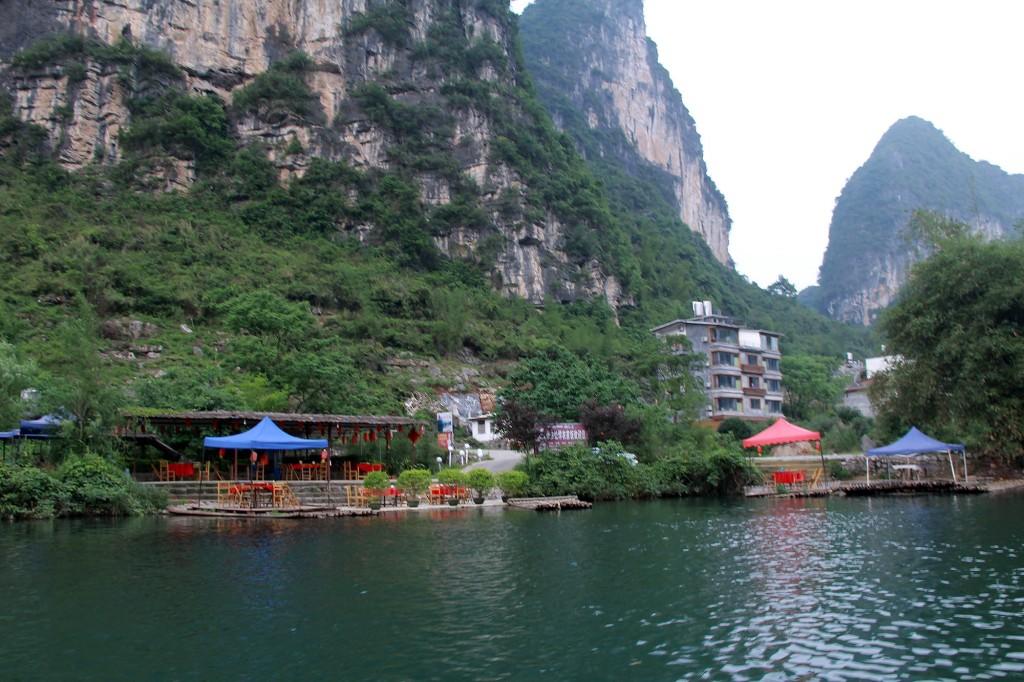 bamboo-rafting-yangshuo-16