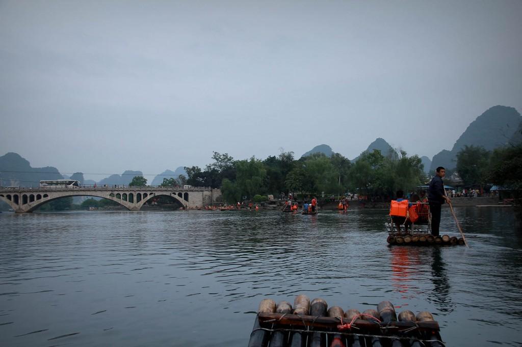 bamboo-rafting-yangshuo-25